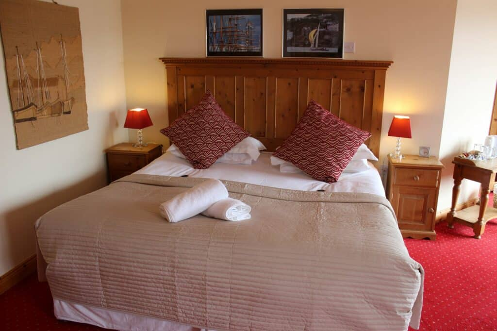 Double Rooms at DIngle Marina Lodge