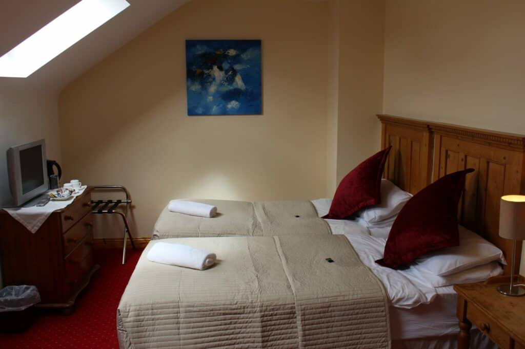 Twin room at Dingle Marina Lodge